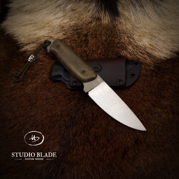 """""""OVERLANDER"""" knife in M390 steel with OD green canvas Micarta scales"""